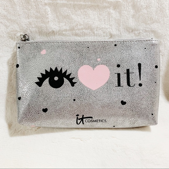 it cosmetics Other - It Cosmetics Confidence Eye Love it! Makeup Bag